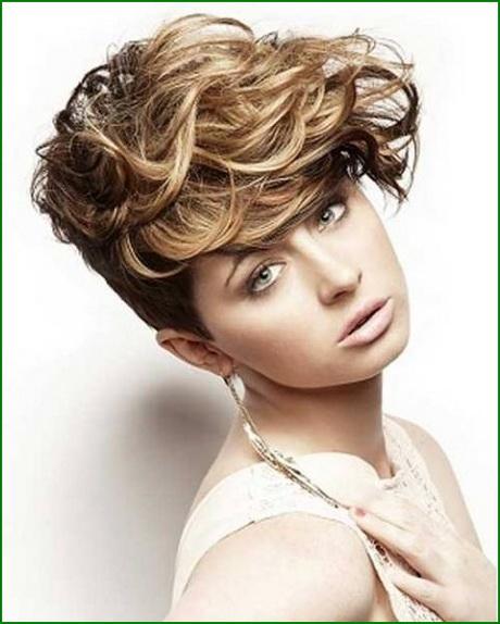 kurzhaarfrisur lockiges haar
