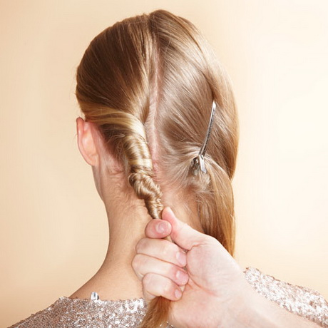 Kurzes Haar Hochstecken Haare Hochstecken Einfach