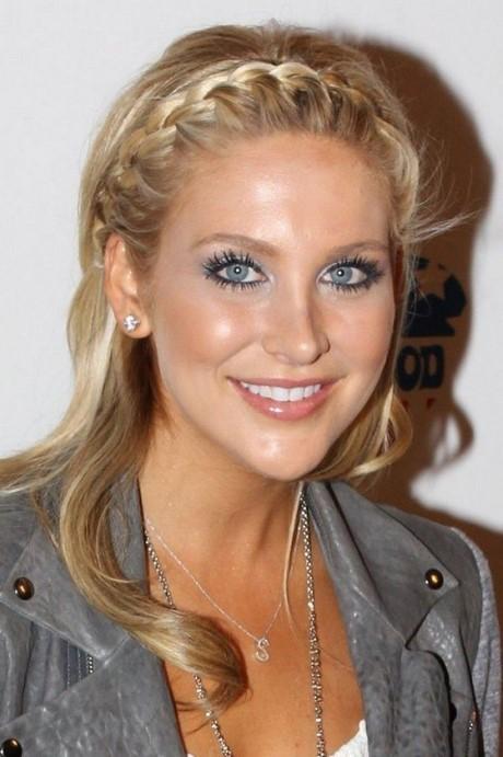 picture 4 Stylish Shakira Hairstyles