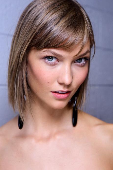 Trendige Haarfrisuren