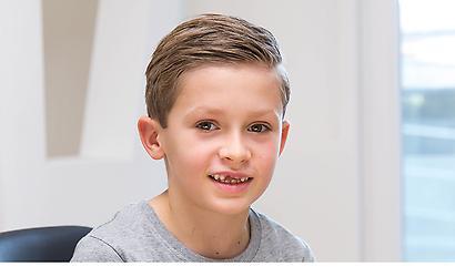 Junge Arschpikerin